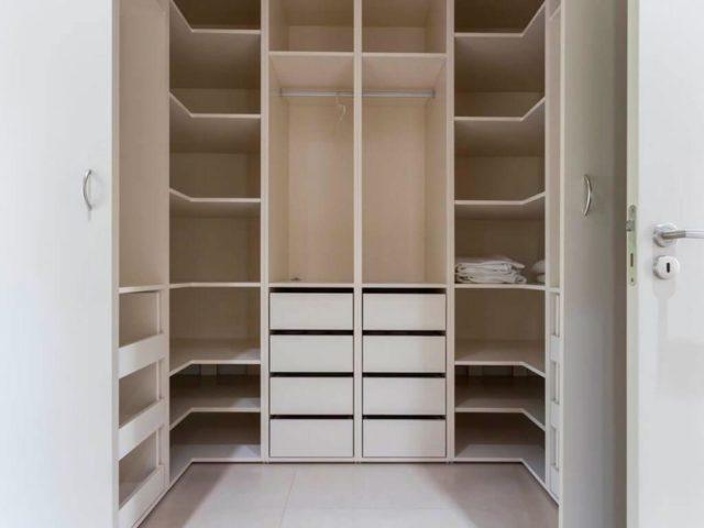Встроенные модули в гардеробную проект №13