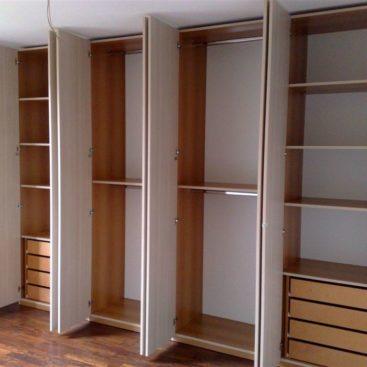 Проект гардеробной с распашными шкафами №16