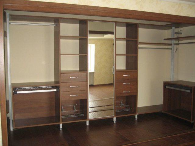 Шкафы в гардеробную комнату №2