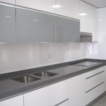 Кухня со шкафами для бытовой техники №5