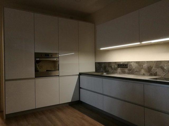 Большая угловая кухня вариант №8