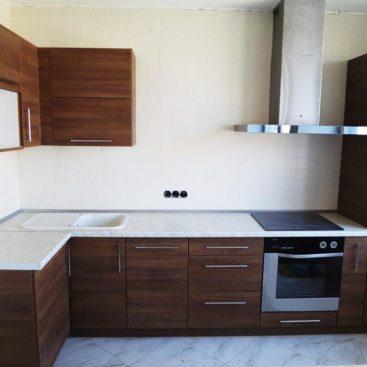Угловая кухня из ДСП EGGER №1