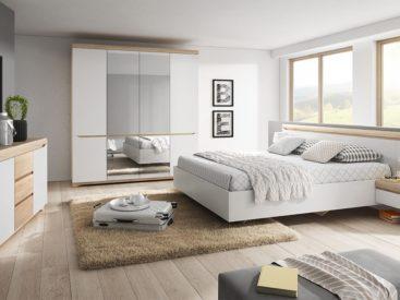 Мебель для спальни в светлых тонах №3
